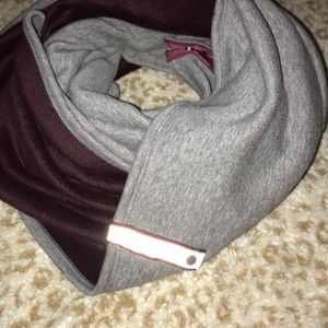 Reversible lululemon scarf
